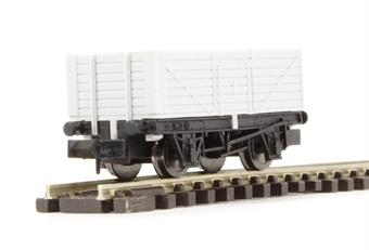 2F-071-000 7 plank wagon - unpainted