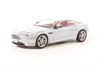 43AMDB9001 Aston Martin DB9 Coupe in gunmetal silver