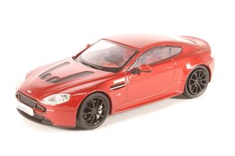 43AMVT001 Aston Martin V12 Vantage S Volcano Red