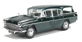 43VFE003 Vauxhall Cresta Friary Estate in Imperial Green (Queen Elizabeth)