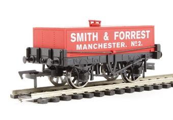 "4F-032-007 Rectangular tank wagon ""Smith & Forrest"""