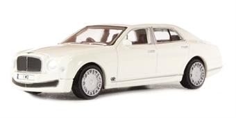 76BM001 Bentley Mulsanne in white