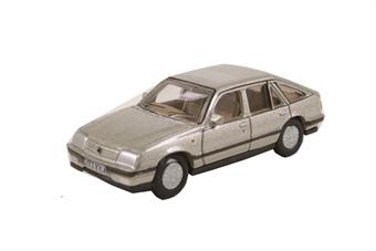 76CAV001 Vauxhall Cavalier Champagne Platinum