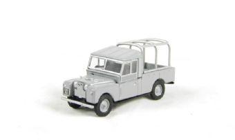 "76LAN1109001 Land Rover Series 1 109"" with frame in grey"