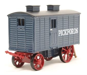 76LW002 Living Wagon Pickfords