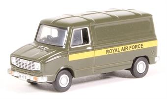 "76SHP005 Leyland Sherpa van - ""RAF Royal Air Force"""