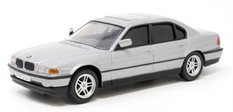 CC05105 James Bond - BMW 750i - 'Tomorrow Never Dies'
