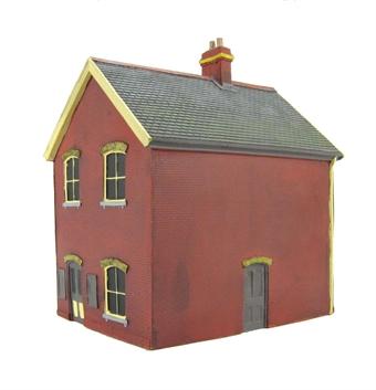 EM6109 Stationmaster's house - red brick