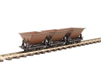 GR-330 Pack of three 4-wheel narrow gauge 'Rugga' hopper wagons in brown