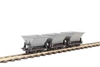 "GR-331 Pack of three 4-wheel narrow gauge ""Rugga"" hopper wagons in grey"