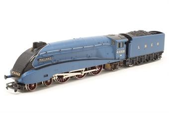 R077-A4 Class A4 4-6-2 'Mallard' 4468 in LNER Garter Blue