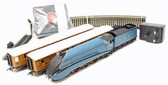 R1252M 'Sir Nigel Gresley' starter train set - Centenary Year Limited Edition