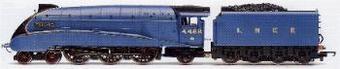 "R2059 Class A4 4-6-2 ""Mallard"" 4468 in LNER blue"