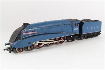 R341 Class A4 4-6-2 'Sir Ralph Wedgwood' 1945-1947 4466 in NE Wartime Black