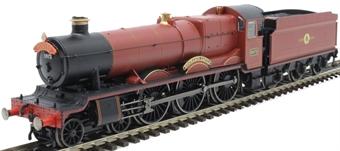 "R3804 Class 49xx 'Hall' 4-6-0 5972 ""Hogwarts Castle"" in Hogwarts Railways red - Harry Potter range"