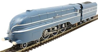 R3857 Class 8P Streamlined Coronation 4-6-2 6220 'Coronation' in LMS coronation blue
