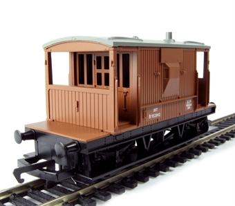R6368 20 Ton brake van B952042 in BR bauxite- Railroad Range