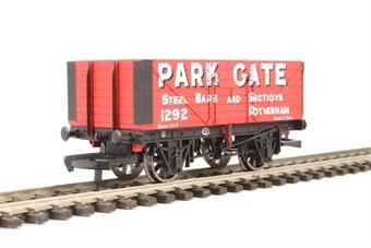 R6756 7 Plank Wagon 'Park Gate'