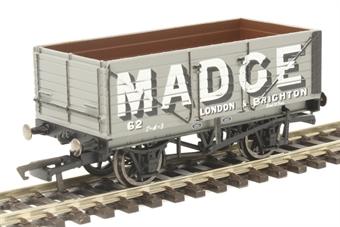 R6952 7-plank open wagon Madge No. 62